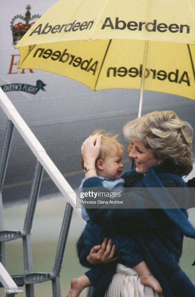 Diana And Harry : News Photo