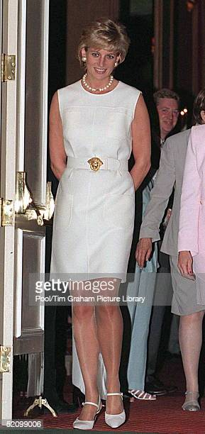 Diana Princess Of Wales Visiting The Hospice In The North Western Memorial Hospital In Chicago USA