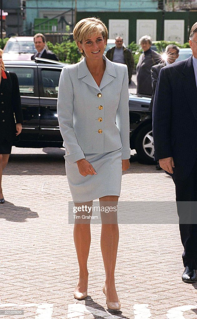 Diana Arriving At Brompton Hospital : News Photo
