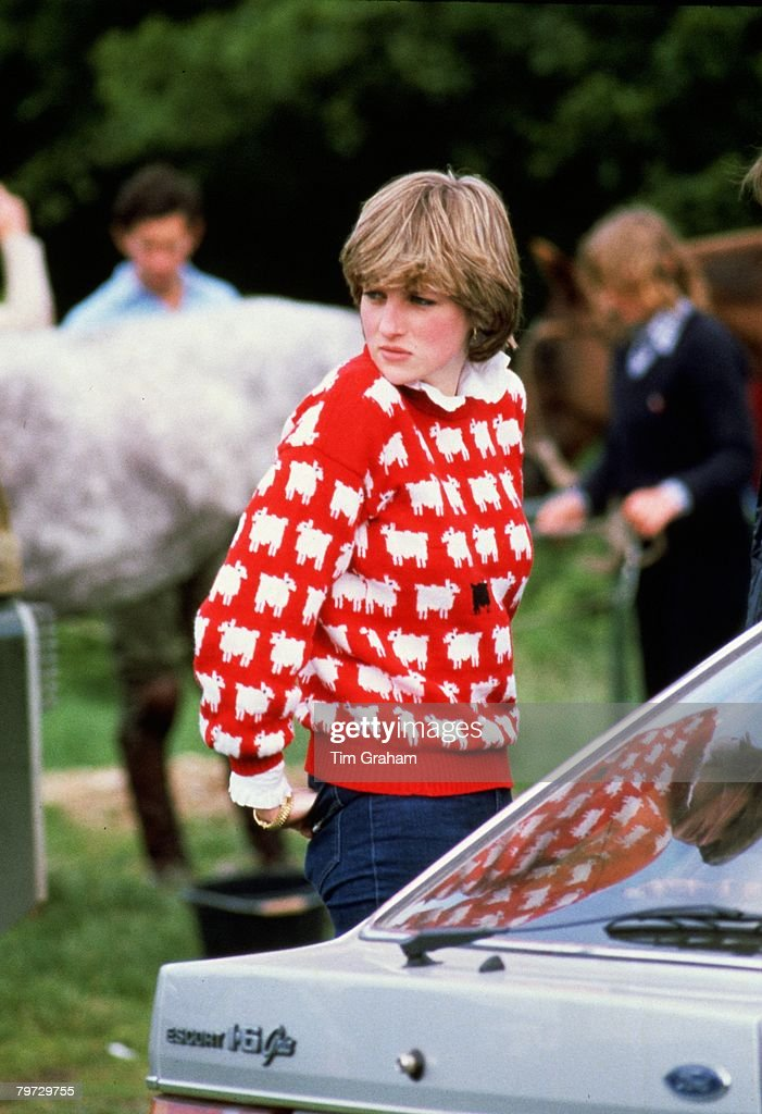 Diana, Princess of Wales wears a wool jumper decorated with : News Photo