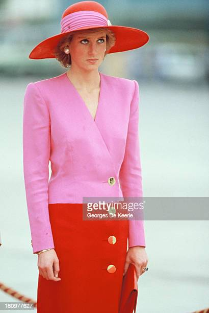 Diana, Princess of Wales, wears a Catherine Walker suit and a Philip Somerville hat during her official tour of the Gulf States on March 15, 1989 in...