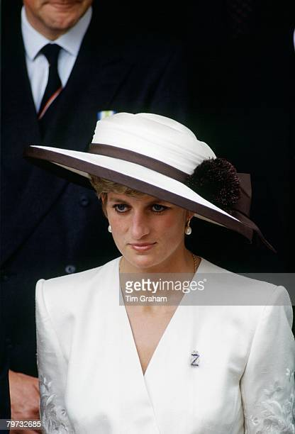 Diana Princess of Wales wears a diamond regimental brooch and hat designed by Marina Killery to Mansion House to watch the Gulf Forces Parade