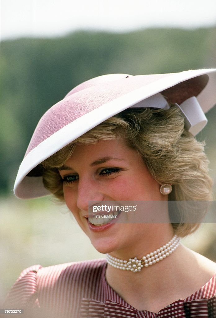 Diana, Princess of Wales wears a hat designed by milliner Fr : News Photo