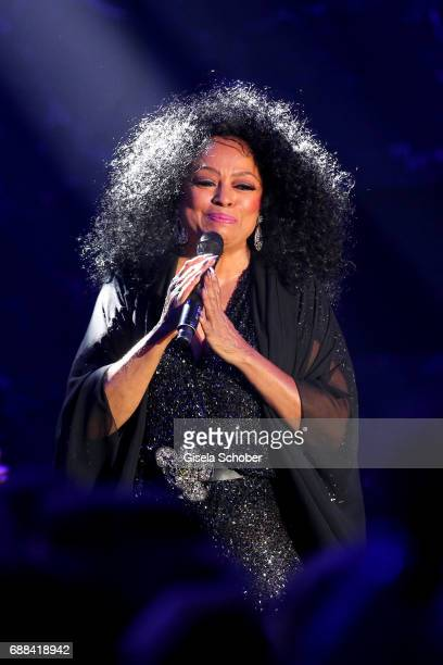 Diana Ross performs at the amfAR Gala Cannes 2017 at Hotel du CapEdenRoc on May 25 2017 in Cap d'Antibes France