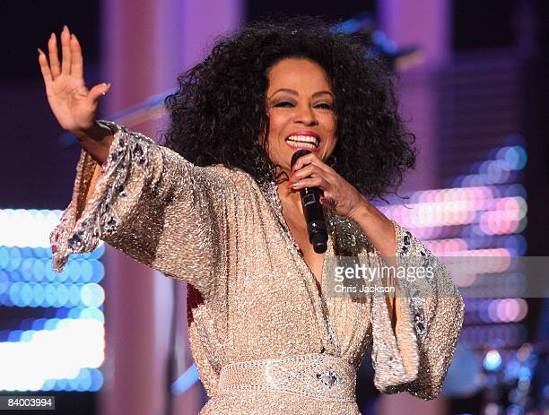 Diana Ross performs at the Nobel Peace Prize Concert 2008 at the Oslo Spektrum on December 11 2008 in Oslo Norway The Norwegian Nobel Committee...