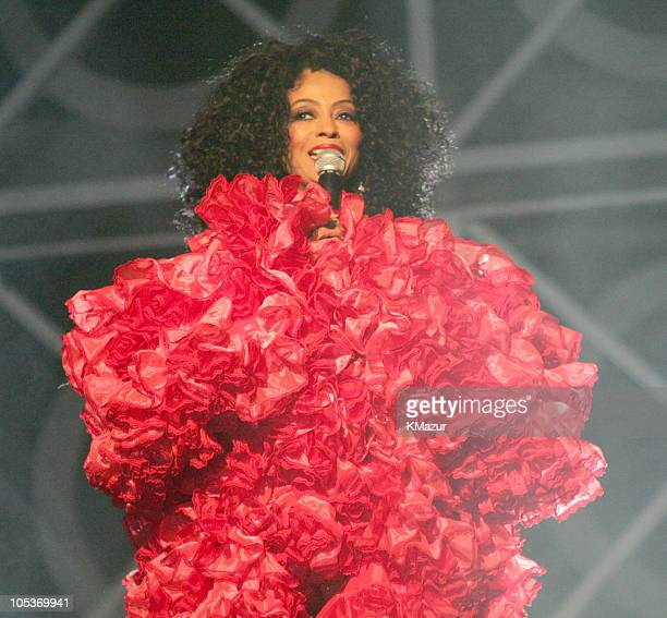Diana Ross performs 'I Just Called to Say I Love You' and 'For Once in My Life'