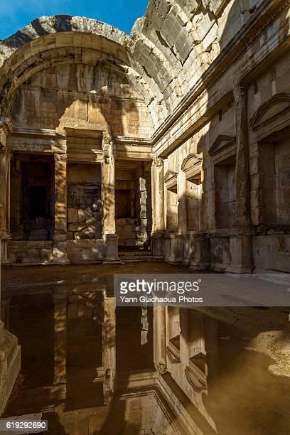 Diana s Temple, jardins de la Fontaine, Nimes, Gard, France
