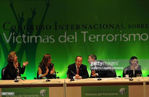 Diana Sofia Giraldo Mexican first lady Margarita Zavala Mexican President Felipe Calderon Colombian President Alvaro Uribe and Colombian First Lady...