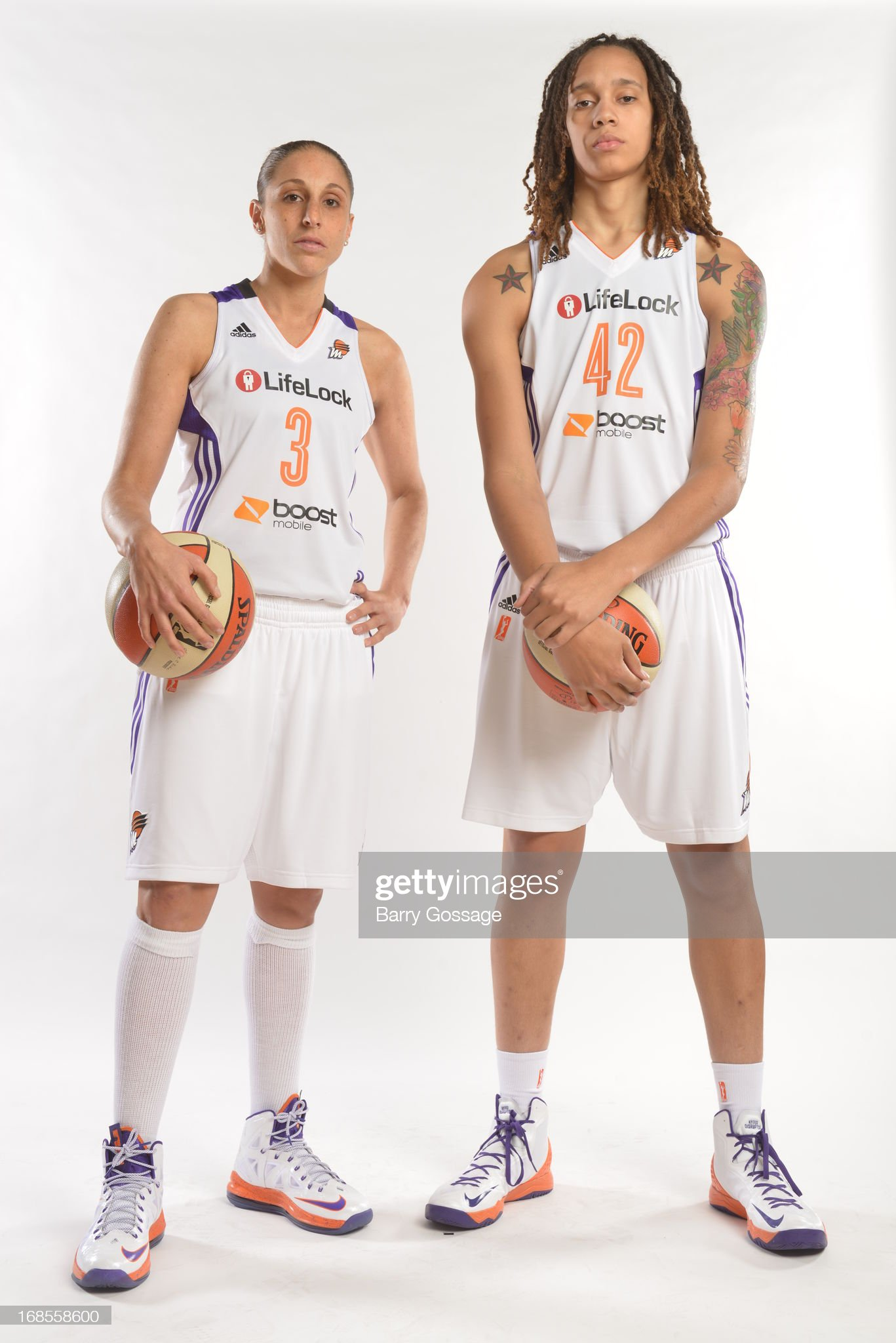 ¿Cuánto mide Brittney Griner? - Altura - Real height Diana-taurasi-and-brittney-griner-of-the-phoenix-mercury-poses-for-a-picture-id168558600?s=2048x2048