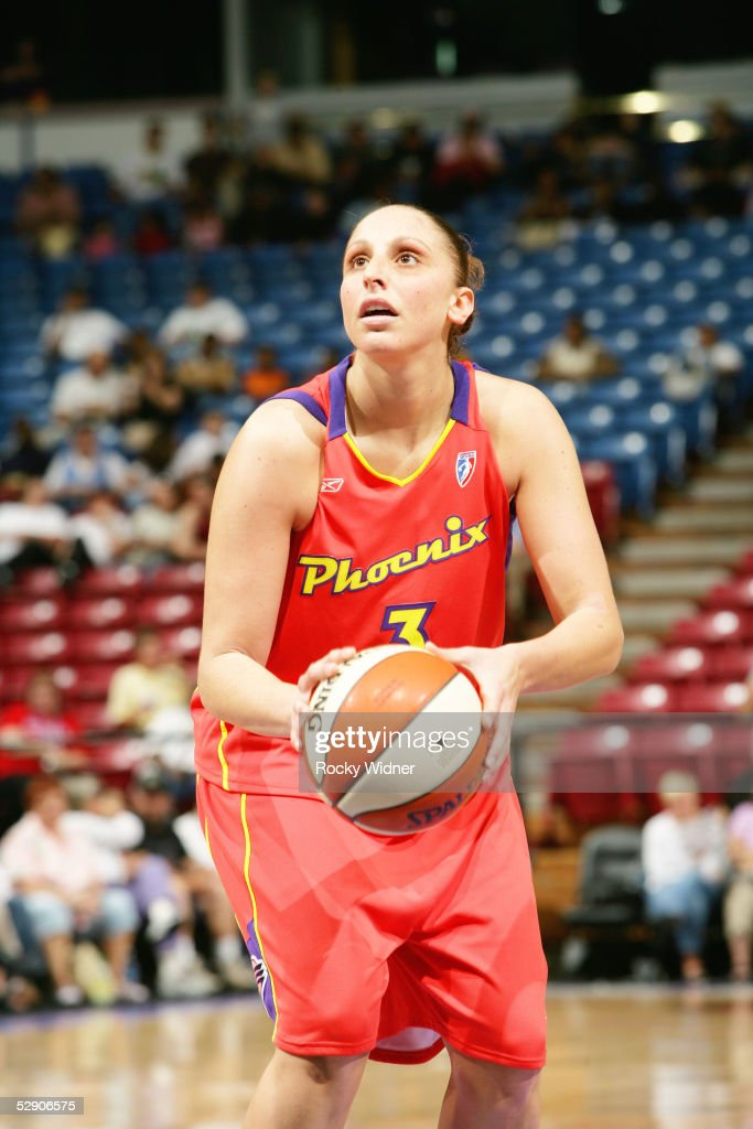 Phoenix Mercury v Sacramento Monarchs : News Photo