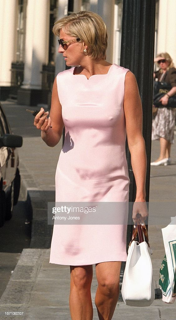 The Princess Of Wales Visits The Hale Clinic : News Photo