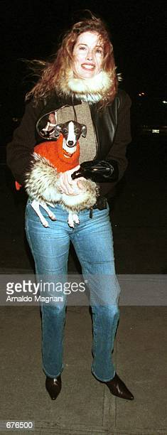 Diandra Douglas poses January 13 2001 outside a hotel in New York City Douglas was with real estate mogul Zack Bacon