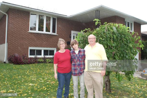 Diane Dale, Justin Bieber musician and Bruce Dale poses for a portrait at home in Stratford, Ontario on September 29, 2009.