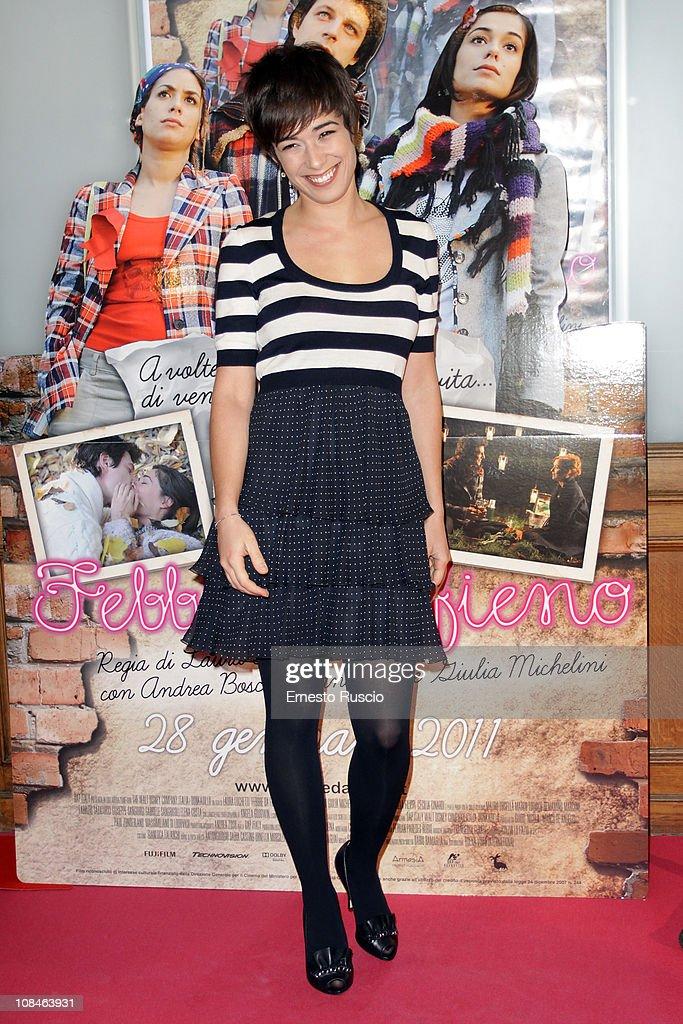 Diane Fleri attends the 'Febbre Da Fieno' premiere at Emassy Cinema on January 27, 2011 in Rome, Italy.