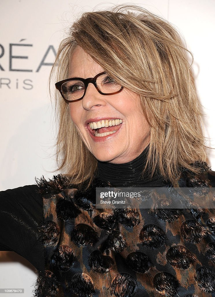 ELLE's 17th Annual Women In Hollywood Tribute - Arrivals : News Photo