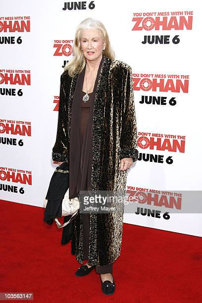 """Diane Ladd arrives at Sony Pictures Premiere of """"You Don't Mess With the Zohan"""" at Grauman's Chinese Theatre on May 28, 2008 in Hollywood, California."""