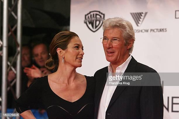 Diane Lane Und Richard Gere Bei Der Premiere Von Das Lächeln Der Sterne Im Cinestar In Berlin