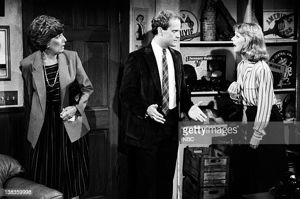CHEERS Diane Meets Mom Episode 8 Air Date Pictured Nancy Marchand as Dr Hester Crane Kelsey Grammer as Dr Frasier Crane Shelley Long as Diane Chambers
