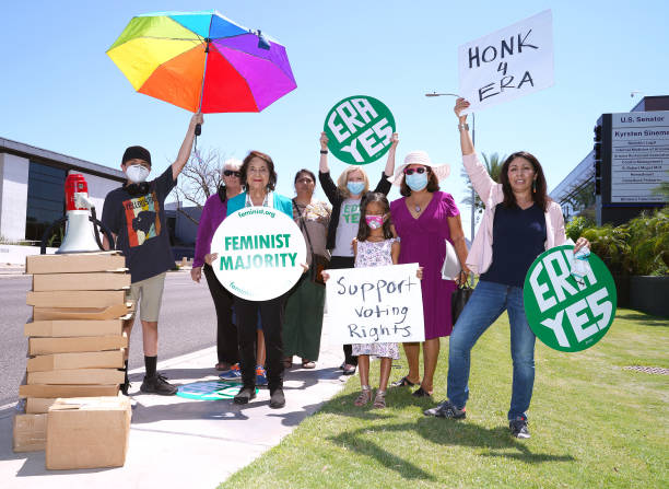 AZ: Women's March Foundation And Feminist Majority Deliver 15,000 Letters, Postcards And Printed Emails To Senator Kyrsten Sinema