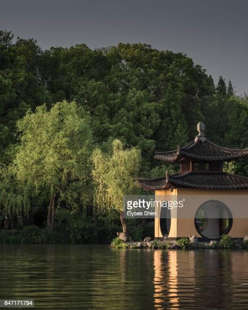 diaoyutai of shou xi hu, yangzhou - yangzhou foto e immagini stock