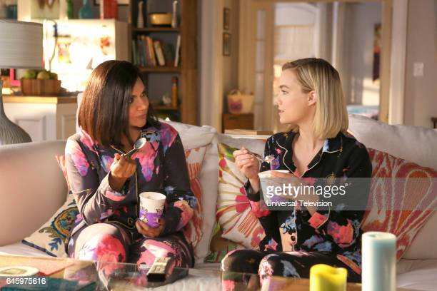 PROJECT Dibs Episode 511 Pictured Mindy Kaling as Mindy Lahiri Rebecca Rittenhouse as Anna