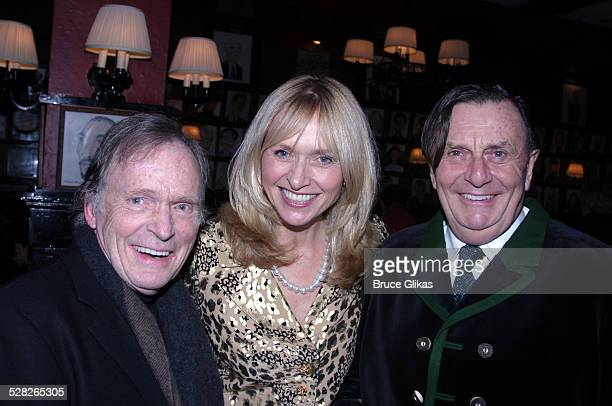 Dick Cavett, Barry Humphries and wife Lizzie Spender
