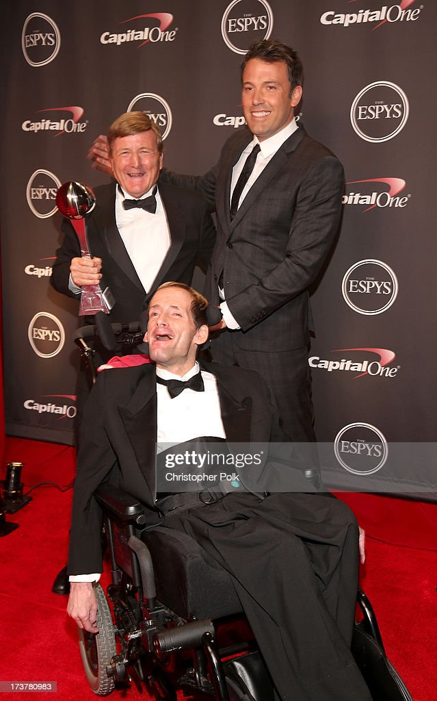 Dick Hoyt (L), actor Ben Affleck, and Rick Hoyt (front) pose backstage at The 2013 ESPY Awards at Nokia Theatre L.A. Live on July 17, 2013 in Los Angeles, California.