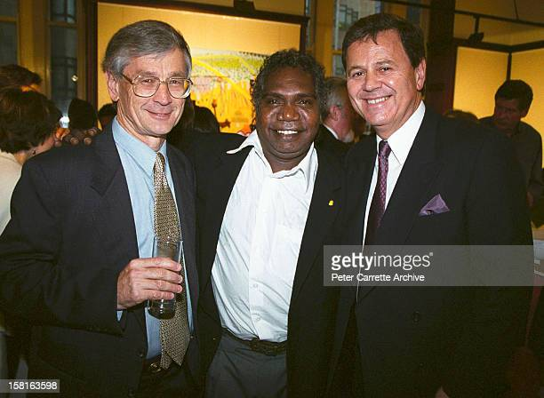 Dick Smith, Mandawuy Yunupingu and Ray Martin attend a Fred Hollows Foundation function on September 29, 2000 in Sydney, Australia.