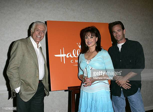 Dick Van Dyke Naomi Judd and Luke Perry during 2005 TCA Hallmark Channel Presentation at The Beverly Hilton in Beverly Hills California United States