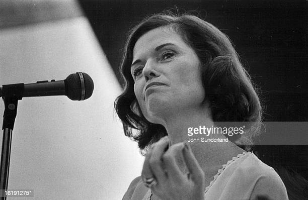 Dickerson, Nancy - Ind., Newswoman; Hob-nobbing as a reporter;