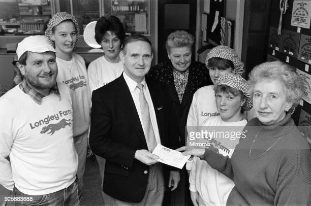 Dickinsons Longley Farm Homfirth raise £800 for MacMillan cancer relief 16th December 1991