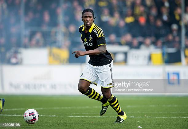 Dickson Etuhu of AIK during the match between Orebro SK and AIK at Behrn Arena on October 31 2015 in Orebro Sweden
