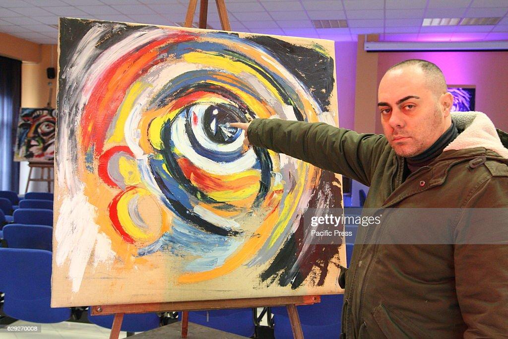 Dicotomie Visive the exhibition of the painter Alfredo... : Nachrichtenfoto
