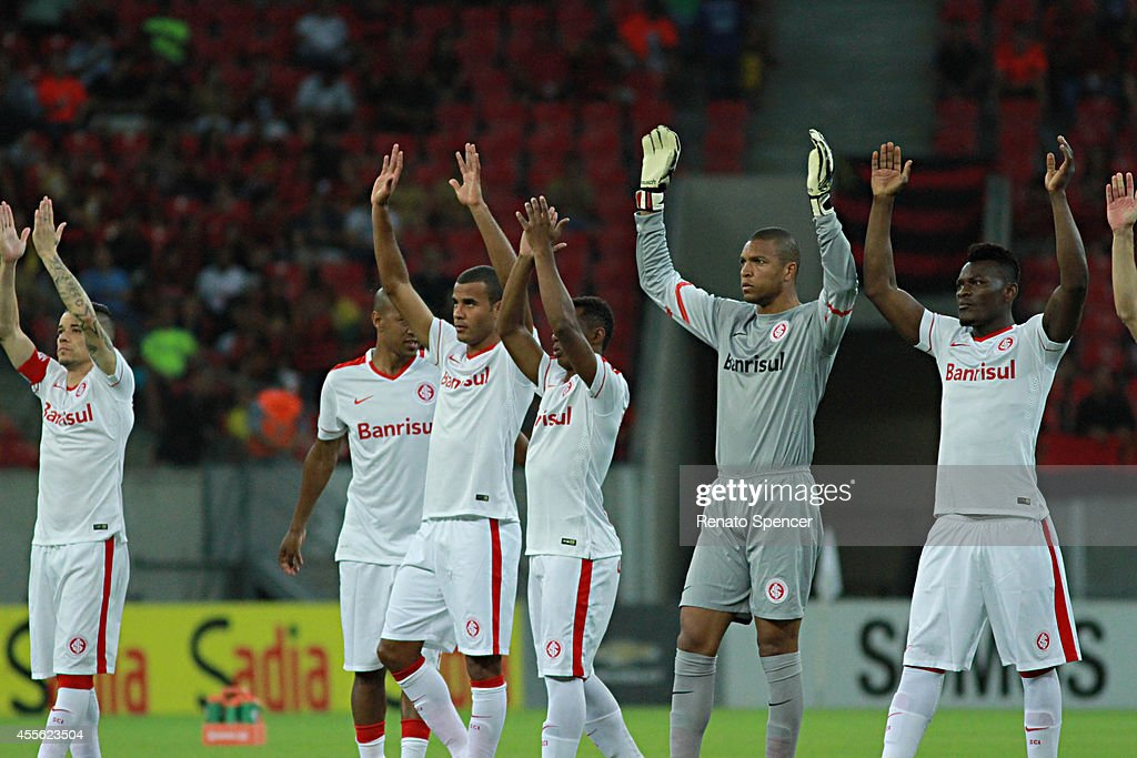 Dida Goalkeeper Of Internacional Enter Into The Field Before A Match News Photo Getty Images