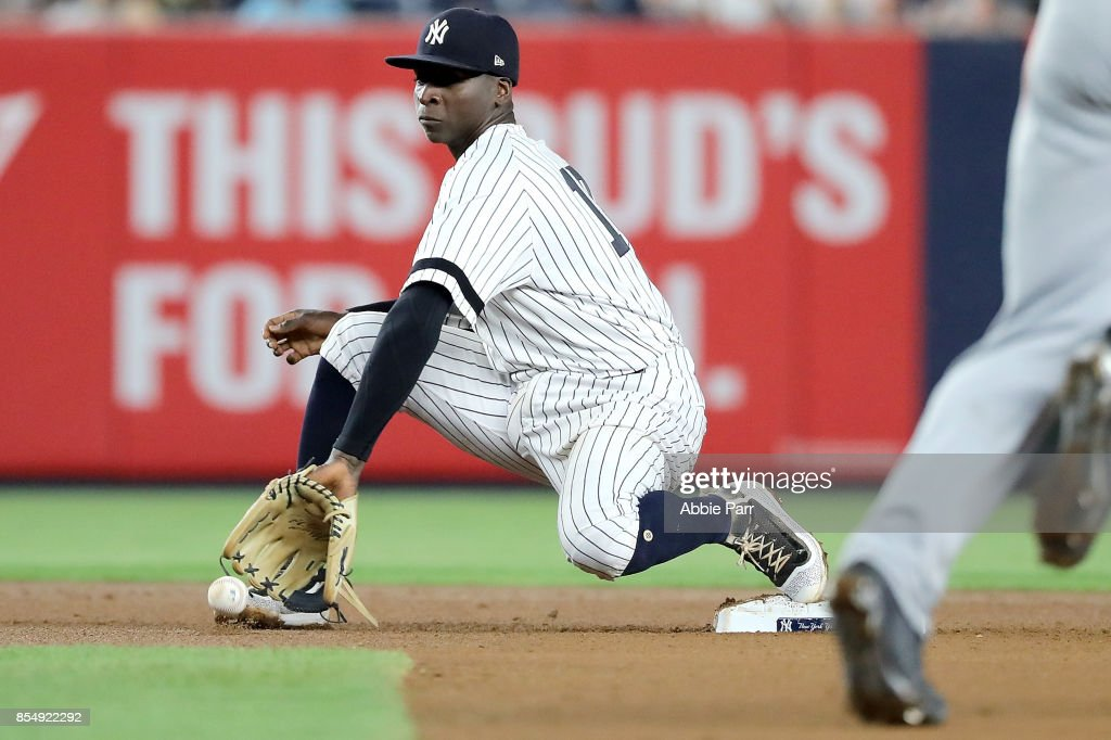 Didi Gregorius #18 of the New York Yankees fields a ball at second in the seventh inning against the Tampa Bay Rays at Yankee Stadium on September 27, 2017 in the Bronx borough of New York City.