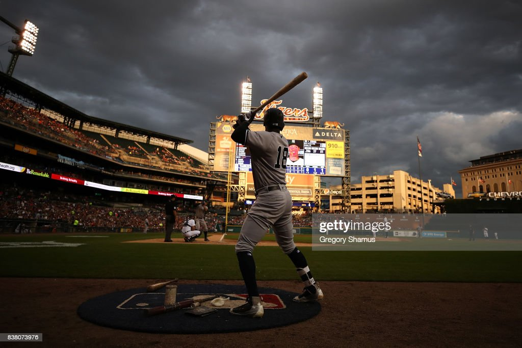 Didi Gregorius #18 of the New York Yankees warms up in the on deck circle in the third inning while playing the Detroit Tigers at Comerica Park on August 23, 2017 in Detroit, Michigan.