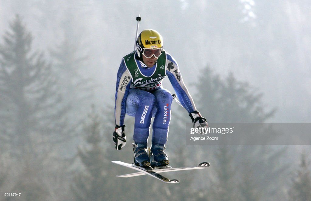 Didier Defago of Switzerland competes in the Men's Downhill at the FIS Alpine World Ski Championships 2005 on February 5, 2005 in Bormio, Italy.