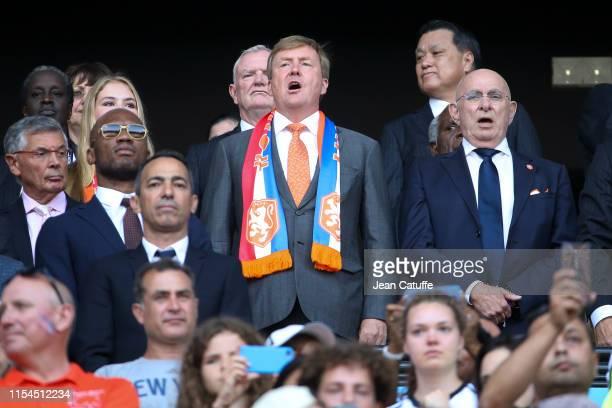 Didier Drogba, King Willem-Alexander of the Netherlands, Royal Dutch Football Association KNVB President Michael van Praag during the national...