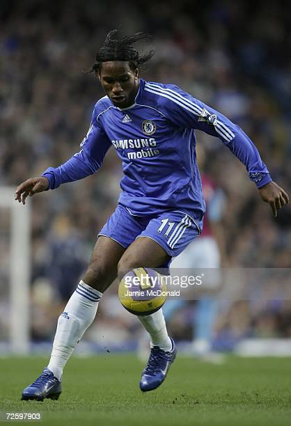 Didier Drogba of Chelsea in action during the Barclays Premiership match between Chelsea and West Ham United at Stamford Bridge on November 18 2006...
