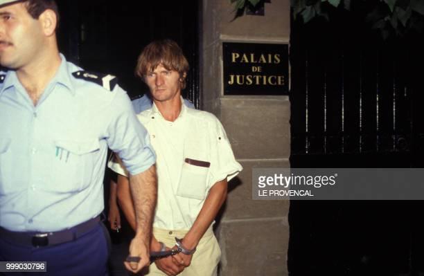 Didier Gentil l'un des assassins présumés de la petite Céline Jourdan à la MotteduCaire emmené par les gendarmes deux jours après la découverte du...