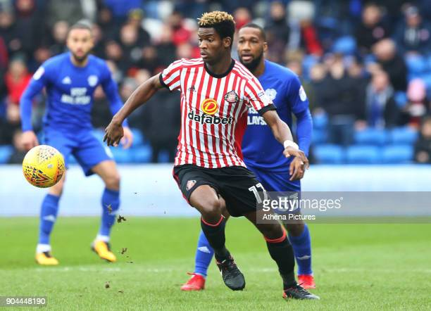 Didier N'Dong of Sunderland takes control of the ball during the Sky Bet Championship match between Cardiff City and Sunderland at the Cardiff City...