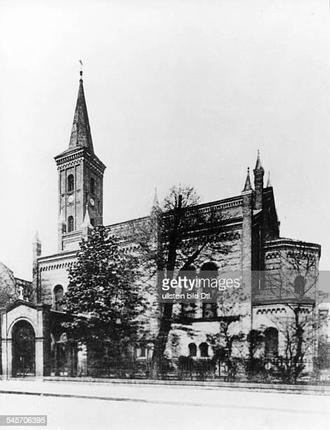 Die 1846 nach Plänen von FriedrichAugust Stüler erbaute Kirche im Tiergarten Aufnahme vor 1945 undatiert