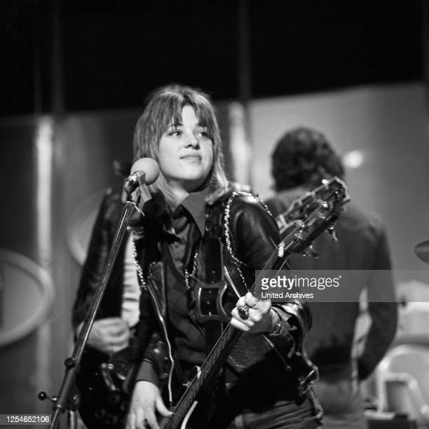 Die amerikanische Rocksängerin Suzi Quatro, Deutschland 1970er Jahre.