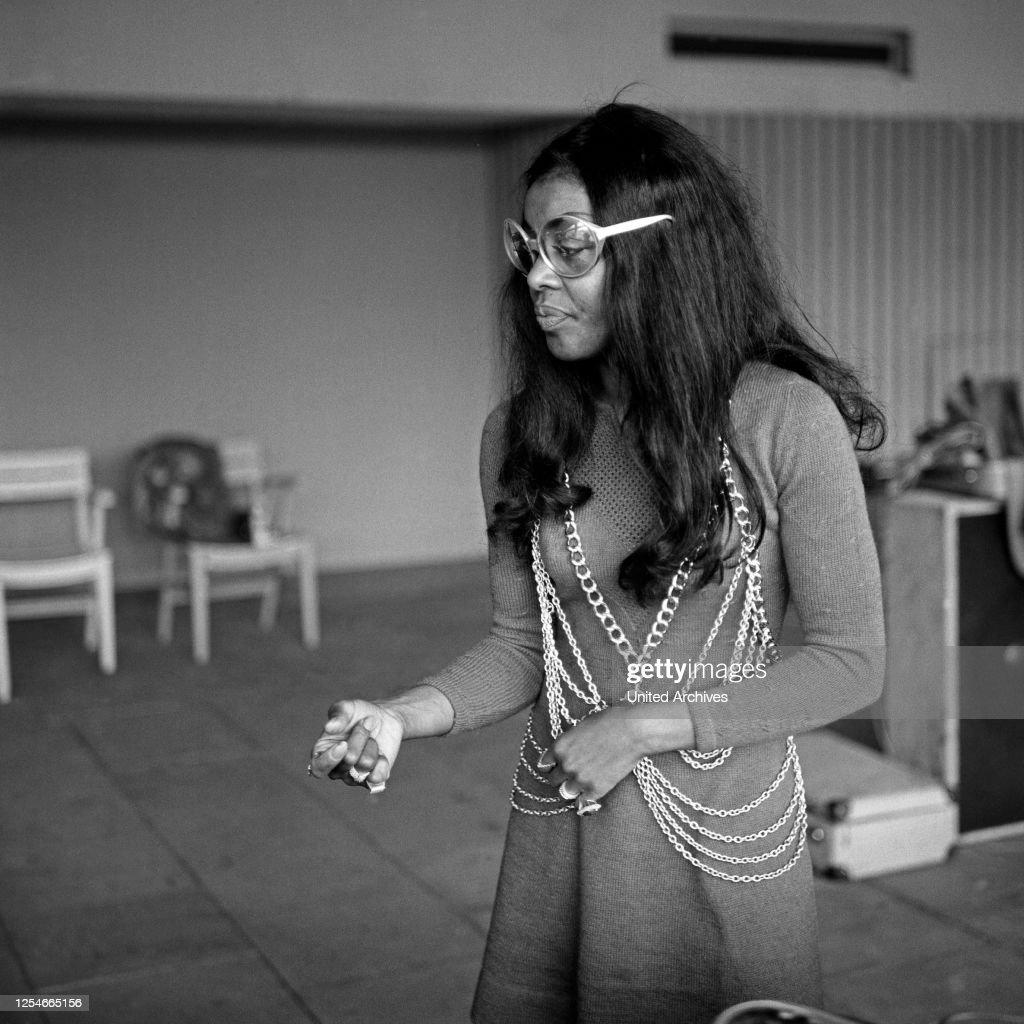 Die Amerikanische Schauspielerin Und Sangerin Beauty Milton Bei Der News Photo Getty Images