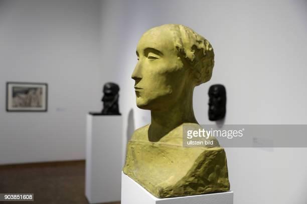 Die Austellung 'Kosmischer Kommunismus' des deutschen Malers und Bildhauers Otto Freundlich gastiert vom 18 Februar 14 Mai 2017 im Museum Ludwig Köln...
