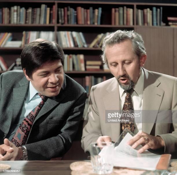 Die Autoren WALTER SCHMIEDING und RUDOLF BRAUNBURG, Sendung im ZDF zum Thema: 'Amerikanisierung der deutschen Sprache', Mai 1973..