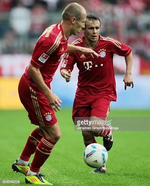 Die Bayern-Spieler Arjen Robben und Rafinha im Einsatz beim Bundesliga Spiel zwischen dem FC Bayern Muenchen und Borussia Moenchengladbach am in der...