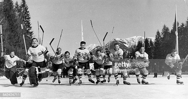 Die britische EishockeyMannschaftGewinner der Goldmedaille gegen Kanada Februar 1936