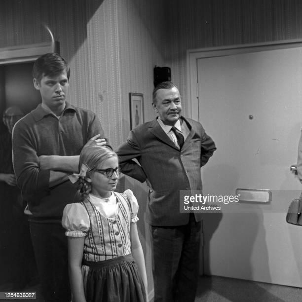 Die Bräute meiner Söhne, Fernsehserie, Deutschland 1965, Darsteller: Heinz Piper .