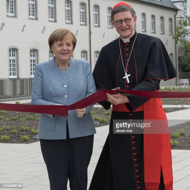 Die Bundeskanzlerin eroeffnet mit Rainer Maria Kardinal Woelki Erzbischof von Koeln dem Buergermeister der Stadt Siegburg Franz Huhn Direktor des KSI...